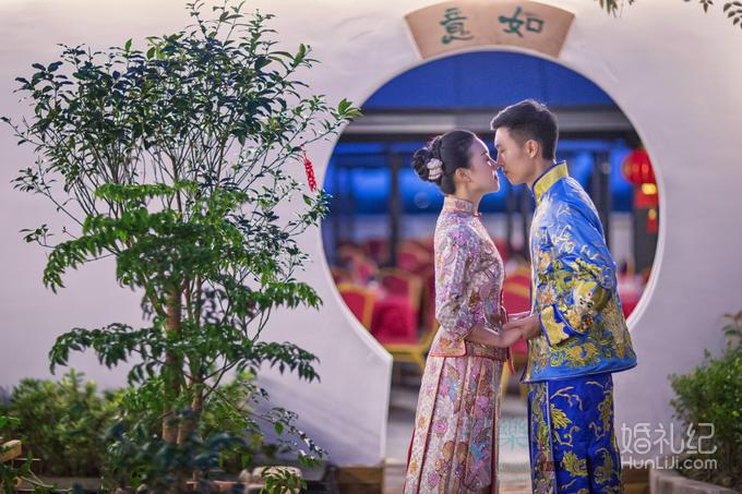 服装-中式婚礼男女秀禾婚服