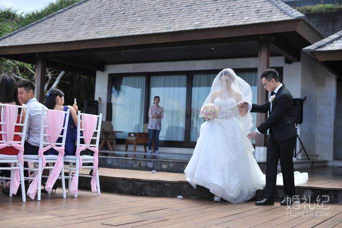 巴厘岛艾吉别墅婚礼,乐惟海外婚礼重庆店