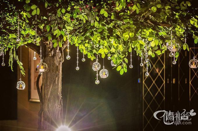 倩怡婚礼策划-《奢华森系》