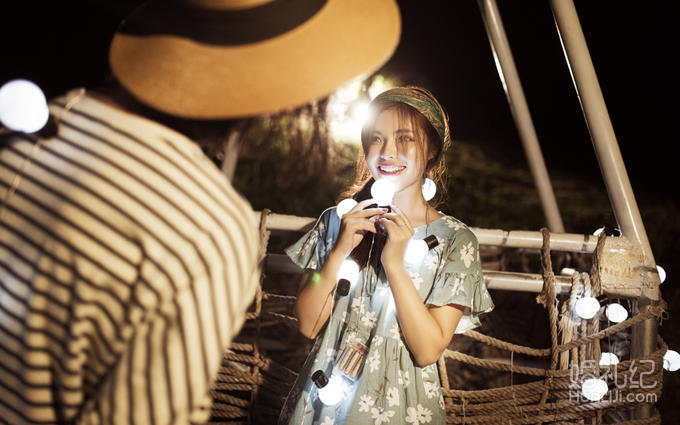 【西安爱久久婚纱摄影】遇见爱情在灯火阑珊处!