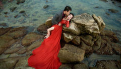 我的霸气红裙 大家觉得我hold的住吗?
