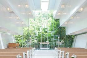乐惟海外婚礼重庆店,东京王子花园塔森林教堂婚礼