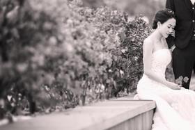 三亚黑白婚纱照