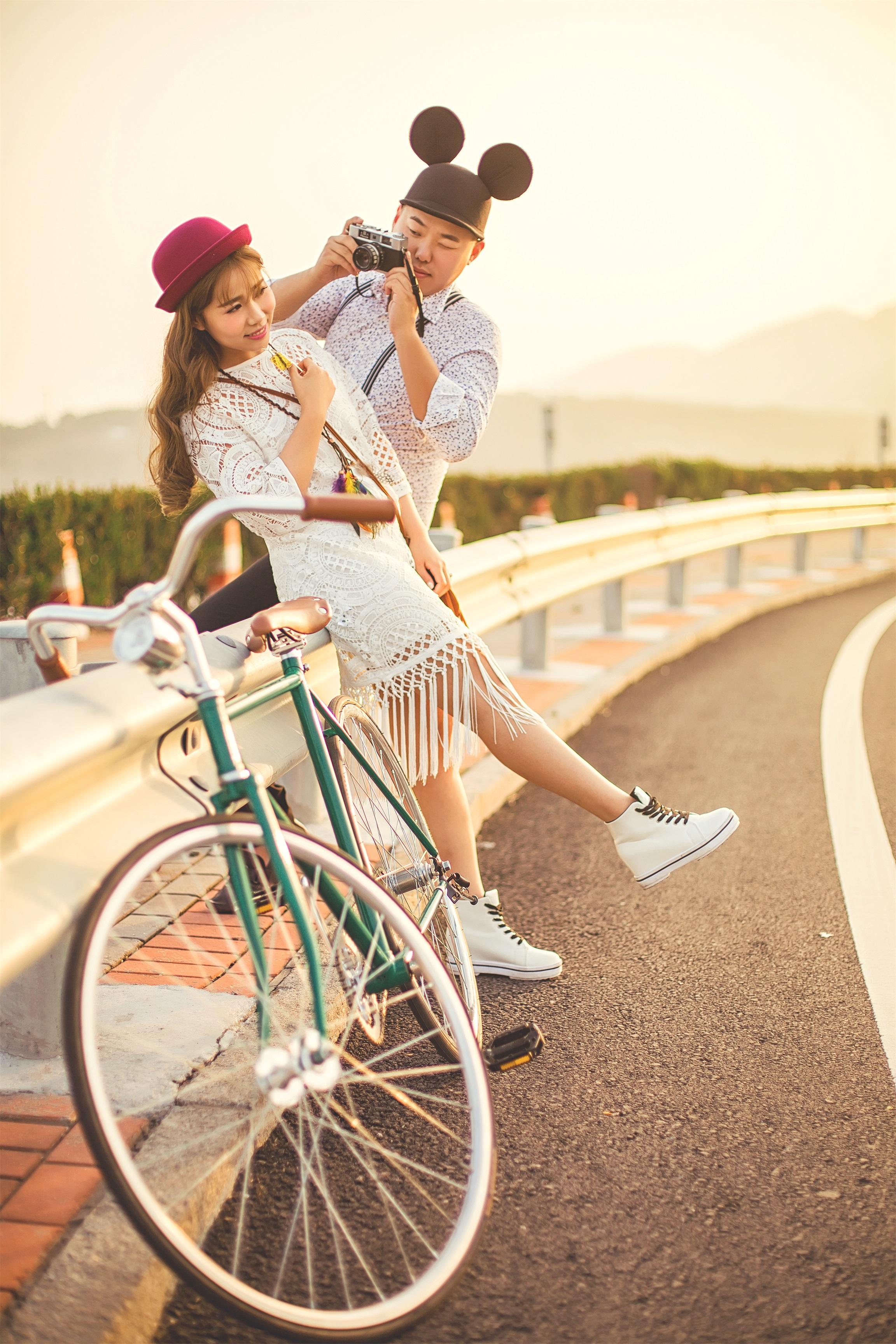 小清新单车婚纱艺术照