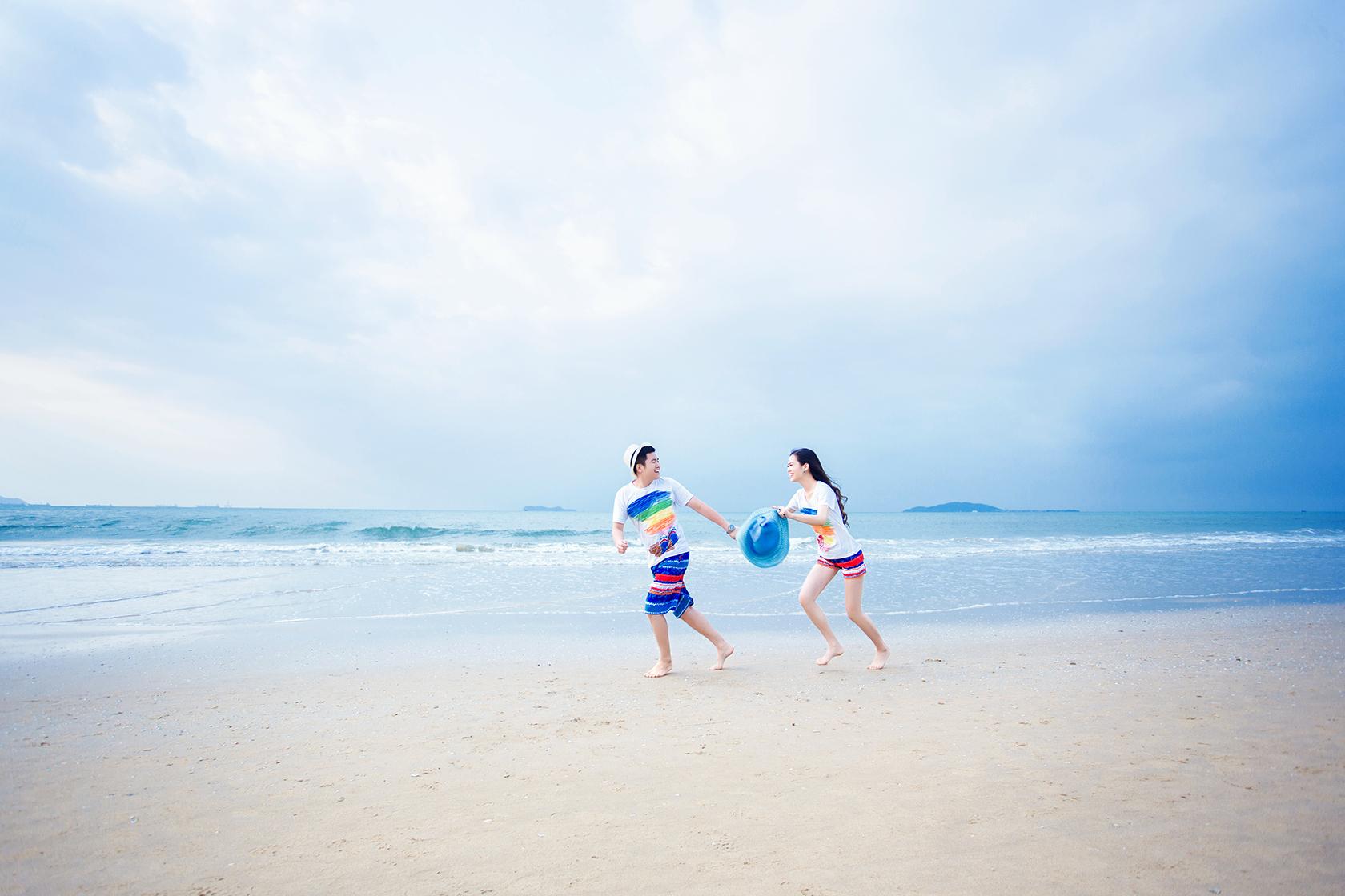时尚沙滩海景婚纱照