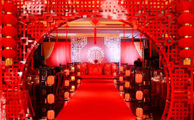 喜庆大红色中式婚礼特惠套餐现场饱满预订送好礼