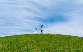 秀摄影环球旅拍森系草场婚纱照