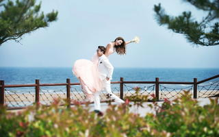 爱蜜月旅行婚纱 海景主题婚纱照