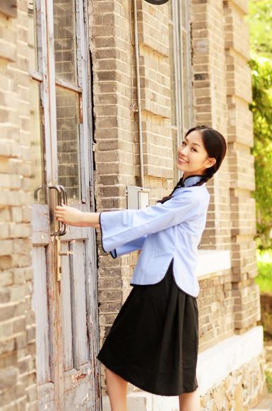 清华大学复古怀旧风五四青年服校园写真照