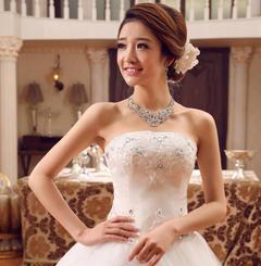 抹胸婚纱礼服新娘2016新款绑带齐地婚纱修身大码冬季婚纱1