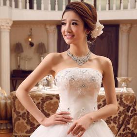 2016新款绑带齐地婚纱图片