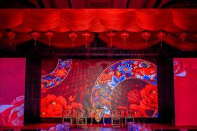 中式婚礼大红喜庆婚礼现场布置图