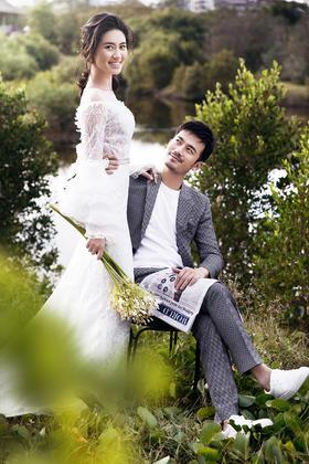 唯美东湖公园草坪婚纱照