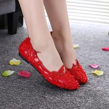 新款纯手工蕾丝珍珠大红色结婚新娘鞋子婚纱礼服拍照鞋加绒平底鞋
