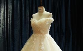 【玛奇朵】超级仙儿范的一字肩纯手工花大拖尾婚纱
