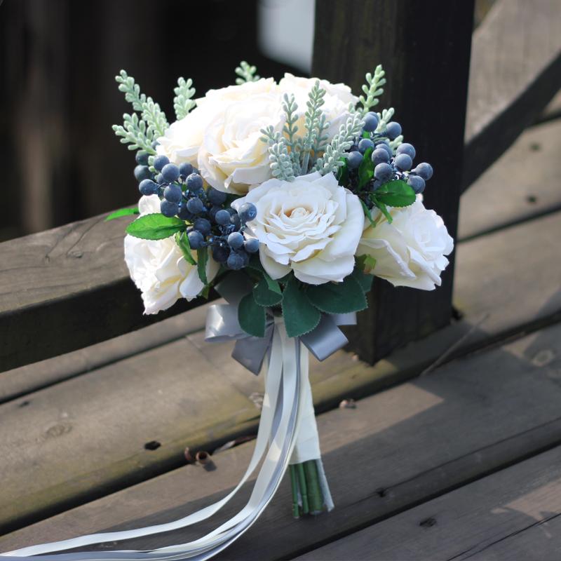 新娘手捧花_孙小妹p247花艺婚纱摄影蓝莓果玫瑰花混搭花束结婚新娘手捧花