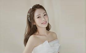 拾禾造型首席化妆师韩式唯美新娘跟妆+免租婚纱