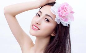 Queen彩妆-总监档全程跟妆+助理+伴娘妆