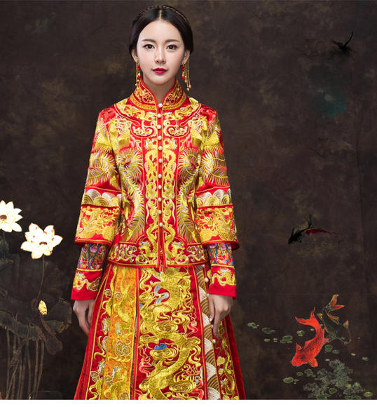 【传统是流行的回归】精美刺绣的中式裙褂