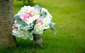 个性定制 草地户外粉色婚礼 浪漫温馨 蓝楹湾酒店