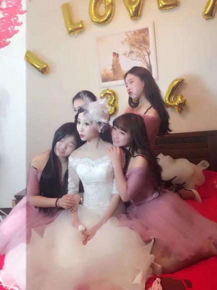 泸州一朵美妆造型礼服馆  鱼尾婚纱系列