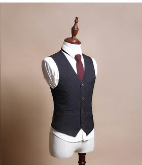 男士西裝領帶條紋馬甲搭配圖