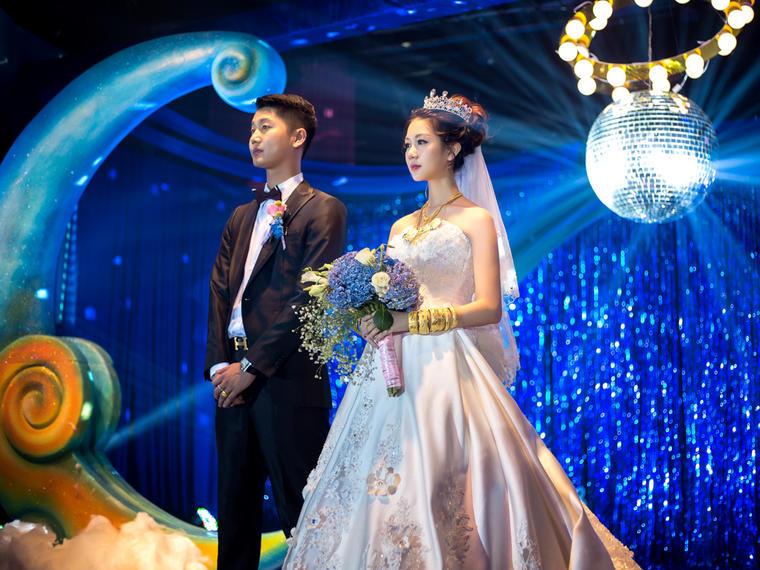 在星辰与月亮下的梦幻婚礼跟拍