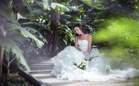 【LaReine婚纱礼服】唯美婚纱+纯美彩纱礼服