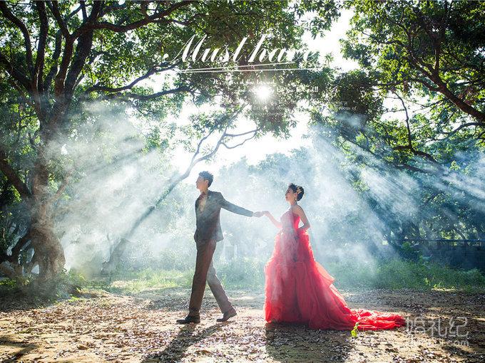 光与影的世界——巴黎春天森系婚纱照客片记忆
