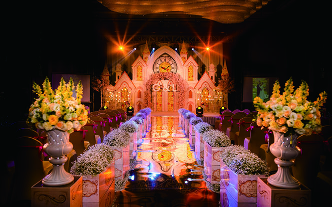 艾丽婚礼 文森特酒店暖金欧式教堂满婚礼送甜品台