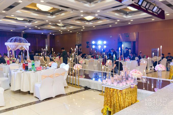 2017香槟色主题婚礼会场