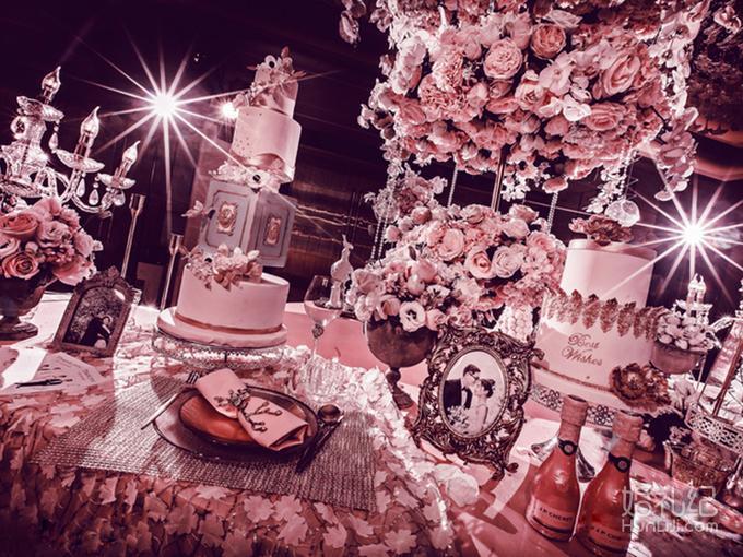 舞台主背景花海格调立体飘顶风格设计(8米×4米) 免费精美鲜花蛋糕台