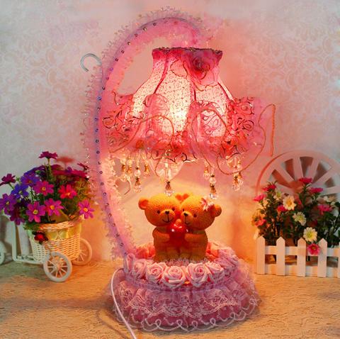厂家直销情侣熊铁艺玫瑰花雕花台灯 树脂田园蕾丝台灯