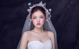 Queena造型首席化妆师:小君老师