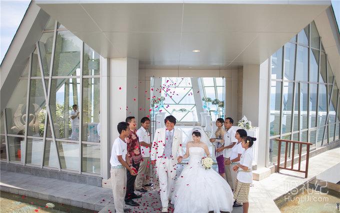 巴厘岛珍珠教堂婚礼,乐惟海外婚礼南京店