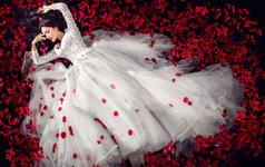 【金夫人】加拍夜光婚纱1套,升级10服10造