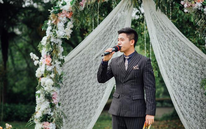 【草坪婚礼+晚宴】主持人+现场新娘秘书+督导两名