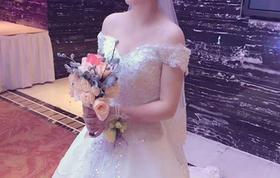 【婚礼纪特惠】显瘦一字肩大拖尾四件套系另送伴娘服