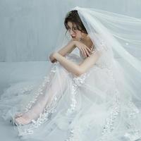 新款一字肩齐地新娘草坪婚礼婚纱礼服梦幻旅拍蕾丝轻婚纱