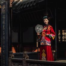 華芬中式嫁衣定制 原创秀禾服 手工刺绣 江水海牙 龙凤呈祥