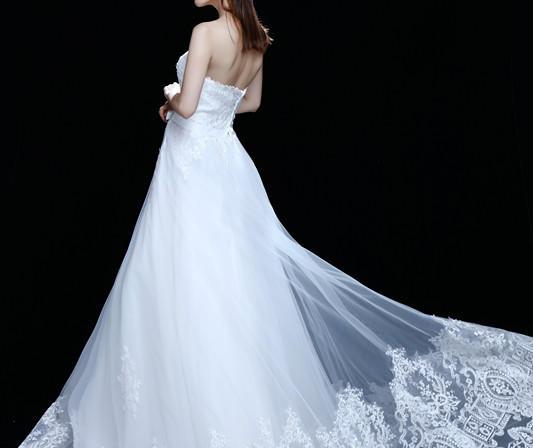 【VITA 婚纱礼服馆】进口蕾丝齐地纱