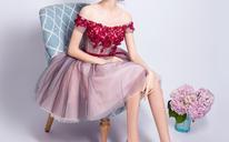 胭脂粉色甜美一字肩公主新娘短款婚纱伴娘服晚宴年会小礼服