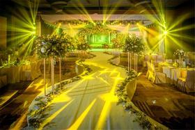 室内森系婚礼:《绿光森林》