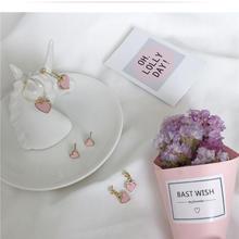 【满66包邮】简约小巧迷你耳坠气质粉色爱心耳钉耳环
