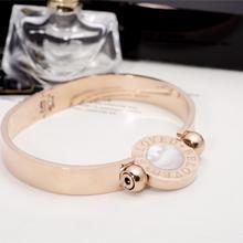 日韩版时尚钛钢手镯女款 镀18K玫瑰金圆牌手环欧美个性钛钢首