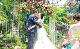 80-300人左右小型户外草坪婚礼