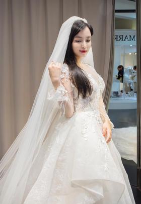 时尚浪漫新娘礼服