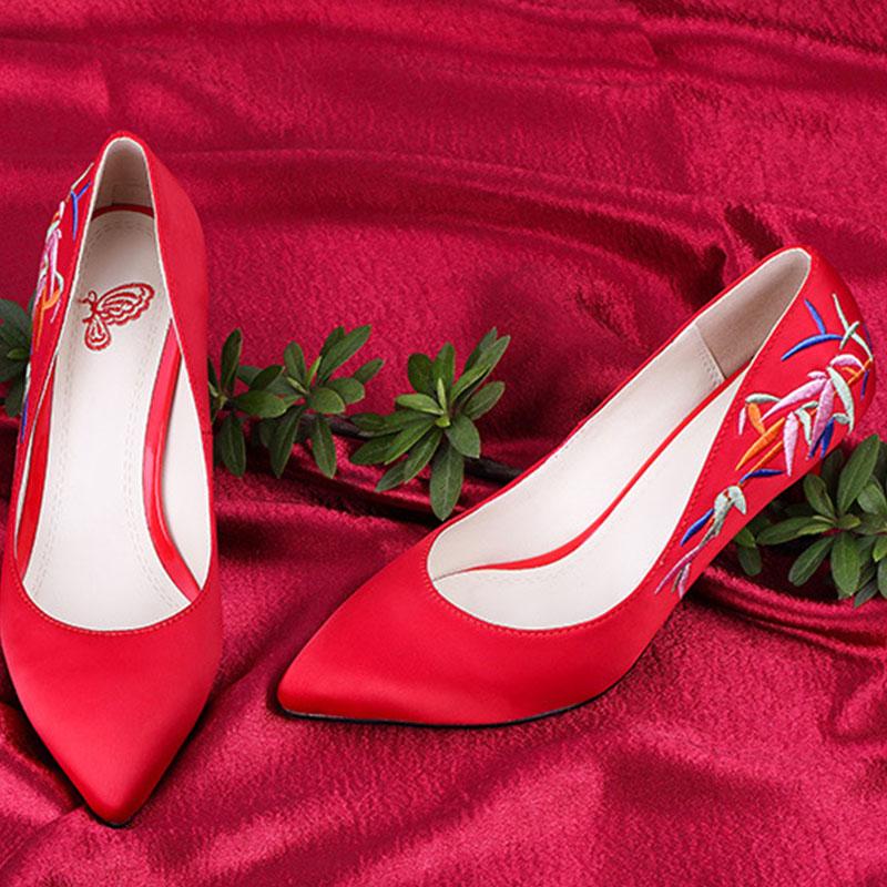 尖头红色高跟单鞋