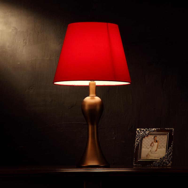 现代简约欧式婚庆台灯卧室结婚床头灯新婚创意中式美式红色婚房