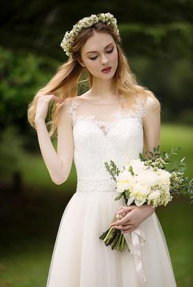 瑞妮婚纱Star系列拖尾婚纱
